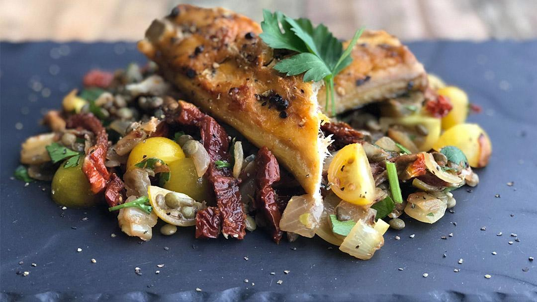 Mackerel Fillet with Tomato & Lentil Salad